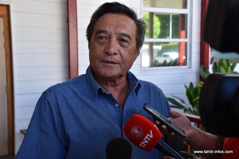 Michel Buillard habite-t-il à Papeete ?