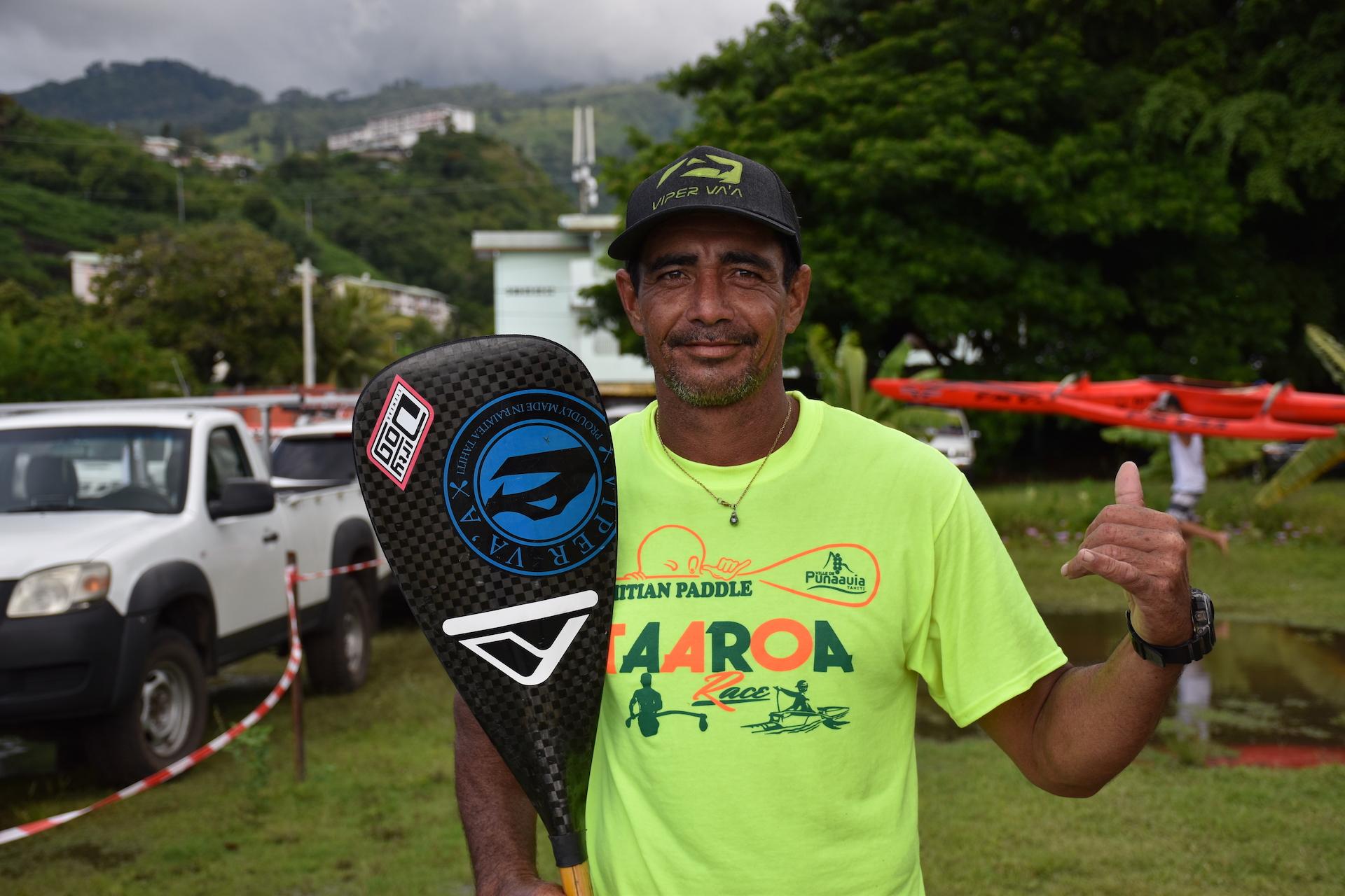 Daniel Le Prado premier des vétérans à franchir la ligne d'arrivée pour cette huitième édition de la Taaroa Race.