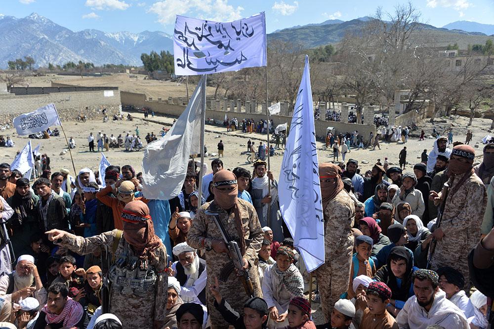 Afghanistan : les talibans annoncent mettre fin à la trêve partielle