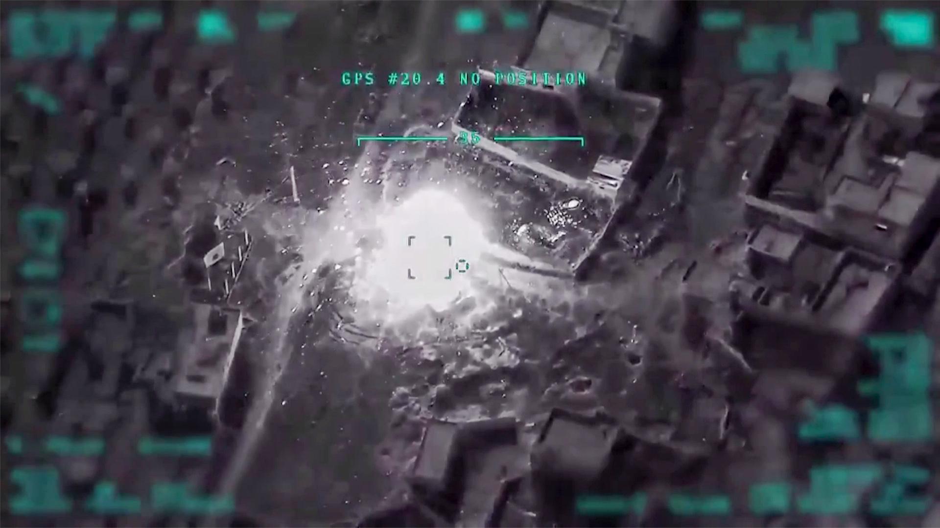 La Turquie menait dimanche une offensive militaire d'envergure en Syrie contre le régime de Damas, dont deux avions ont été abattus et 19 soldats syriens tués.
