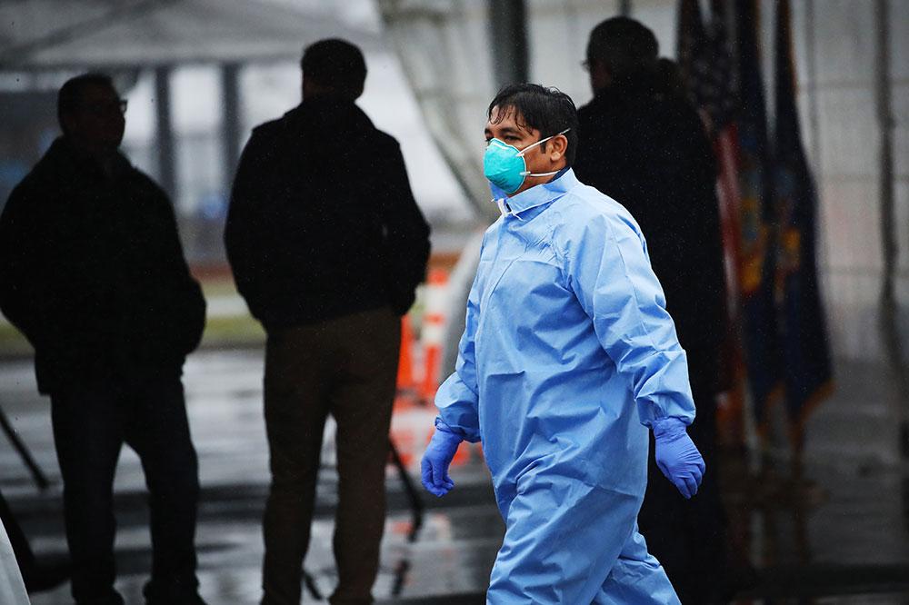 Coronavirus: rassemblements limités à 10 personnes, couvre-feu, les Etats-Unis suivent l'exemple européen