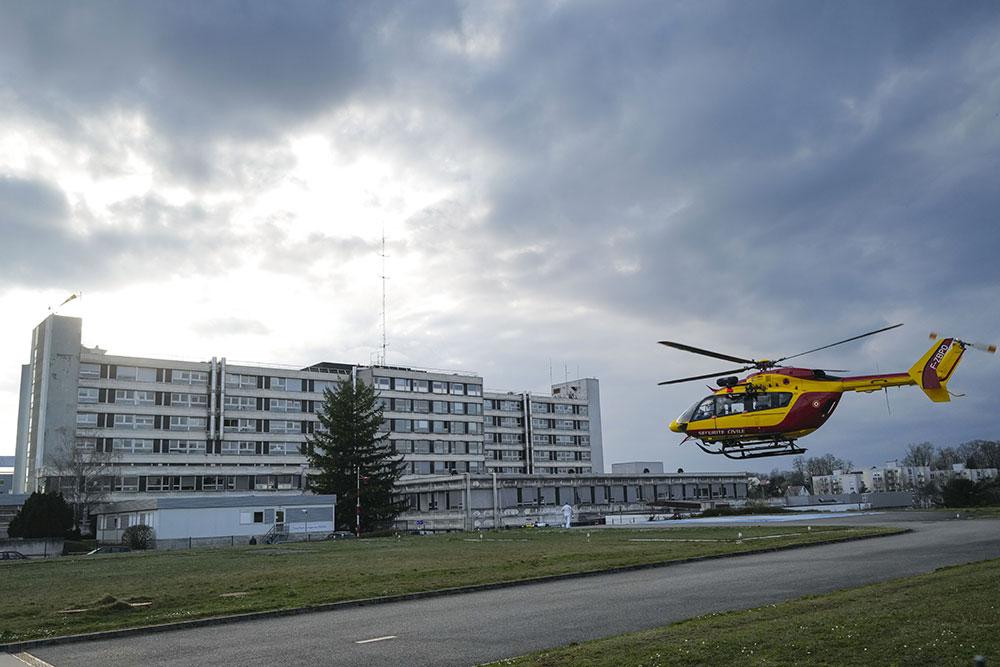 Coronavirus: aide militaire sans précédent pour les patients en Alsace