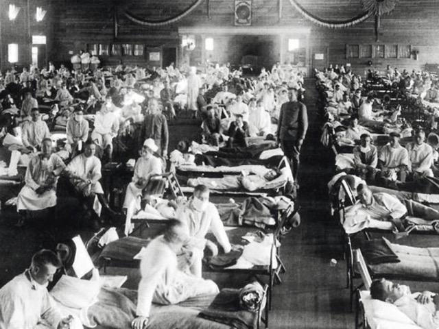 """Un foyer de fièvre apparut au Kansas le 4 mars 1918. On a longtemps cru que c'était de là que provenait la grippe espagnole. Elle était en fait """"française""""..."""