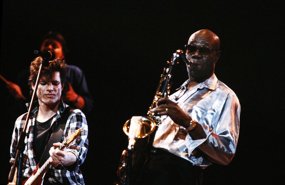Le coronavirus fauche une première star, le saxophoniste Manu Dibango