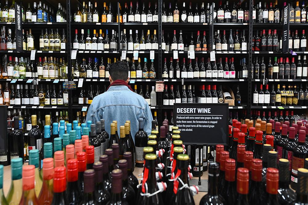 Coronavirus: New York noie son stress dans l'alcool