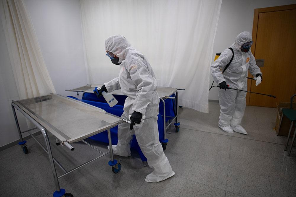 Coronavirus: nombre record de morts en un jour en Espagne