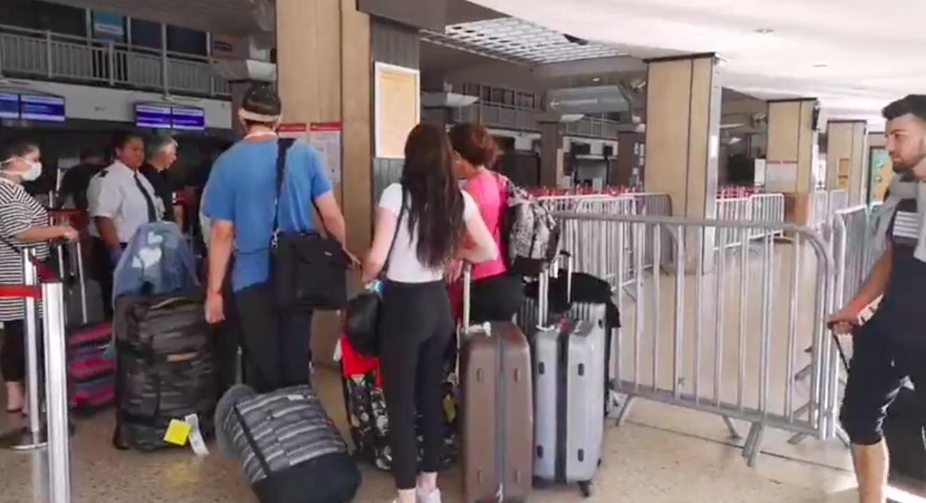 Plus de 3 400 touristes rapatriés en dix jours