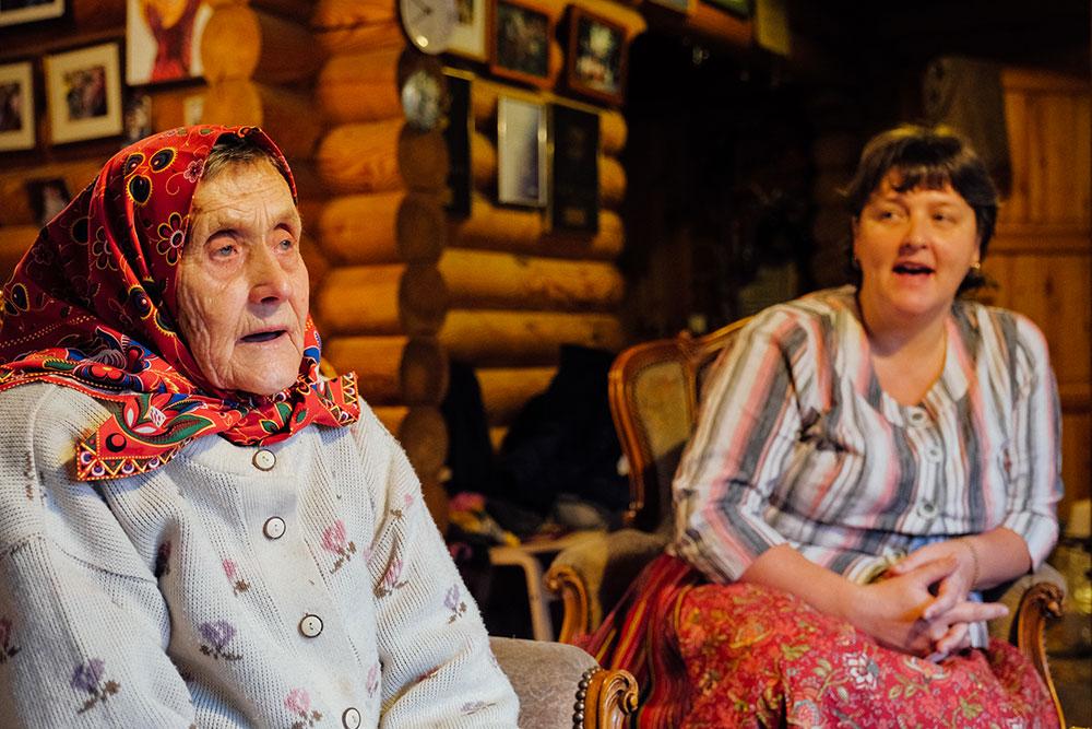 """Les Amazones estoniennes défendent leur """"île des femmes"""""""