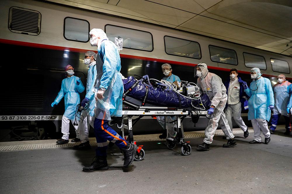 Virus: le monde confronté à sa pire crise depuis 1945, 30.000 morts en Europe