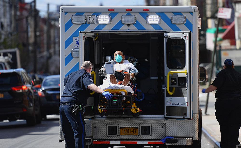 Virus: explosion de morts aux Etats-Unis et au Royaume-Uni