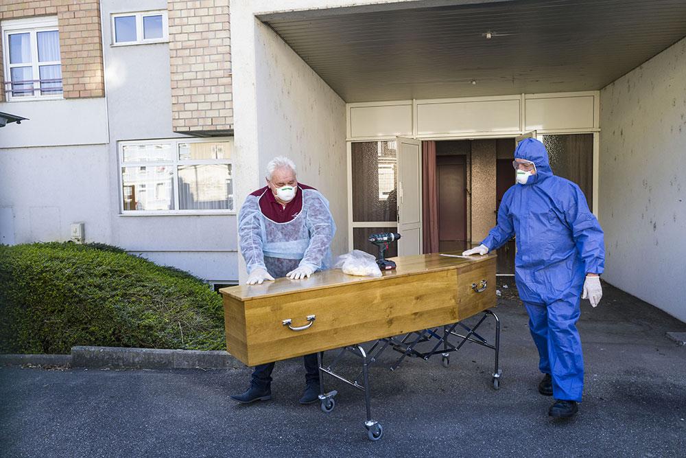 Coronavirus: plus de 8.000 morts et un confinement globalement bien respecté