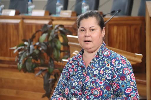 Taclée par les fonctionnaires d'Etat, Tepuaraurii Teriitahi défend ses positions