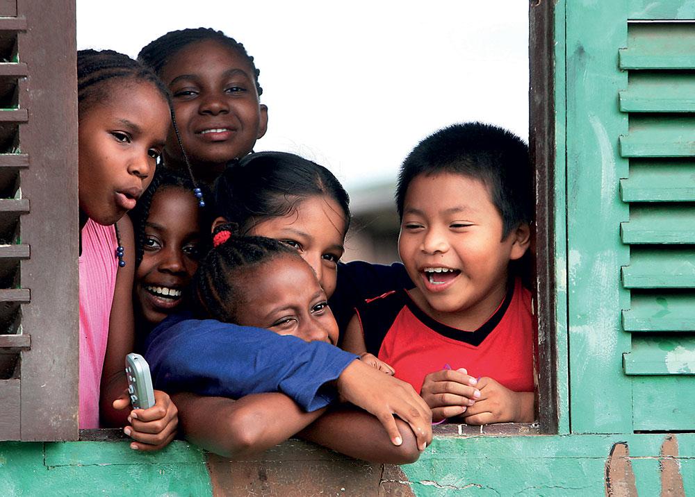 """En Guyane, conditions """"pas réunies"""" pour rouvrir collèges et lycées le 11 mai"""