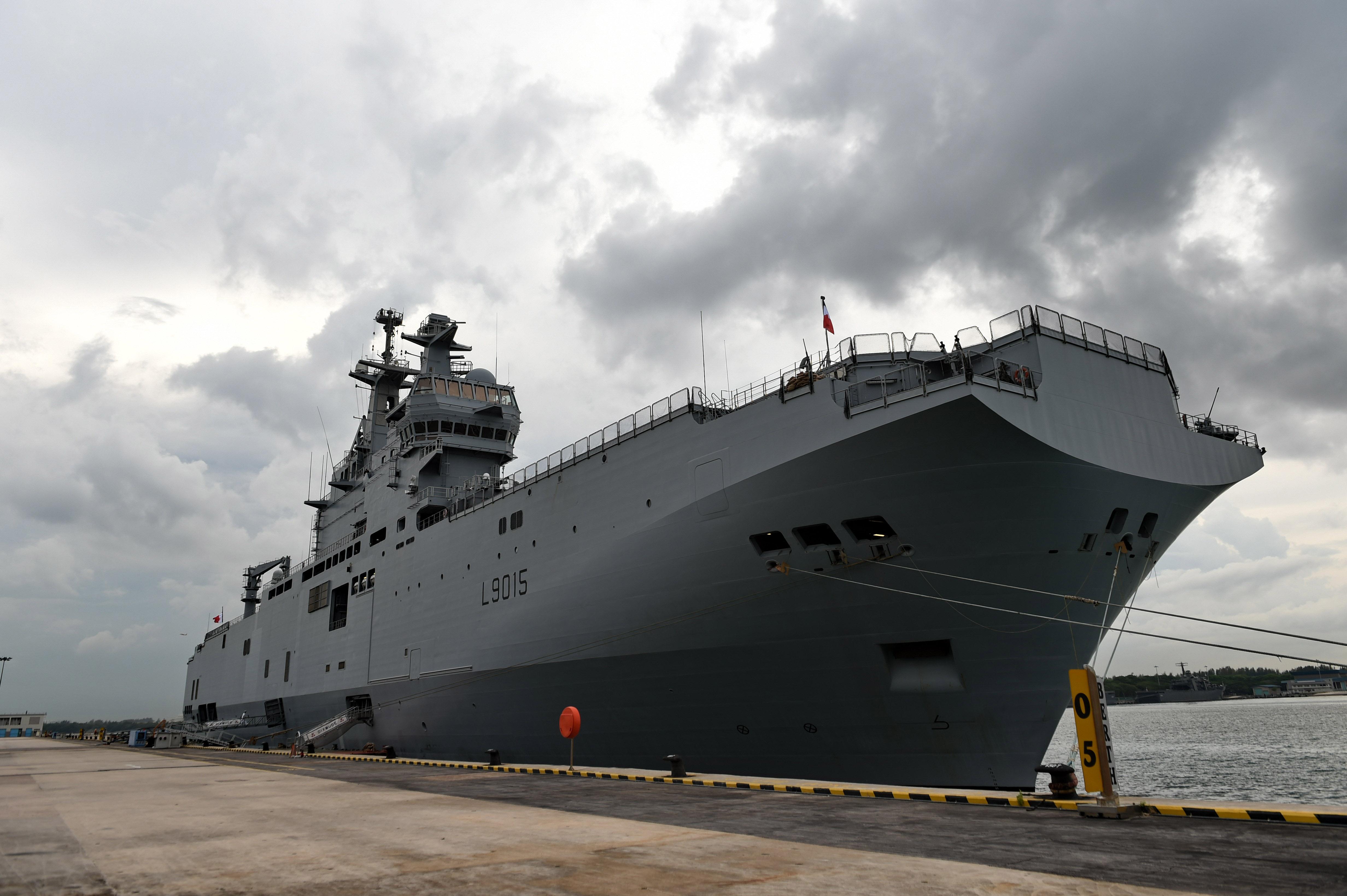 Le porte-hélicoptère Dixmude est arrivé aux Antilles