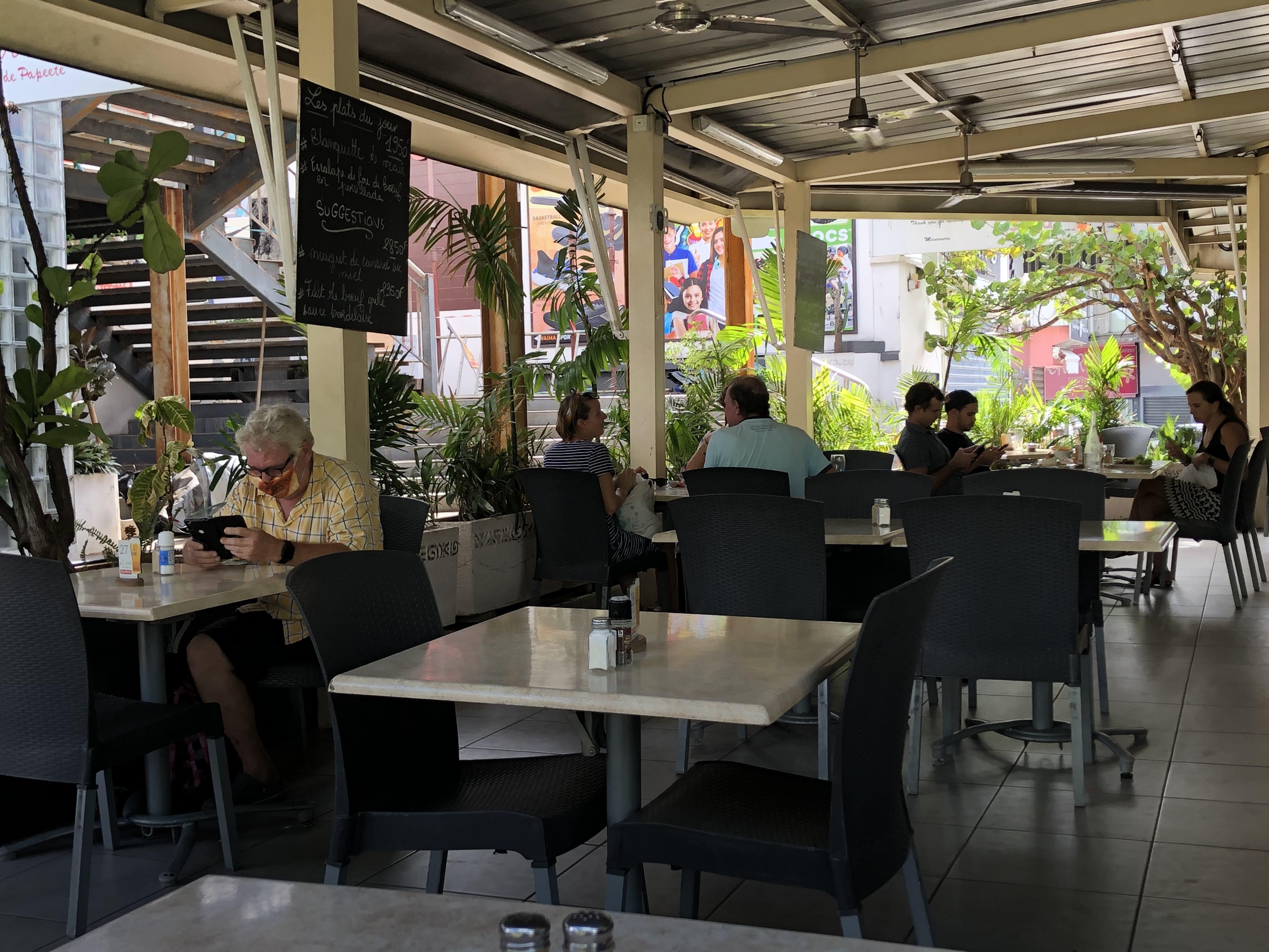 Les restaurateurs de Papeete ont pu de nouveau accueillir leurs clients en terrasse.