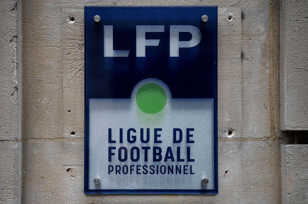 Foot : la Ligue acte l'arrêt définitif de la L1 et attribue le titre au PSG