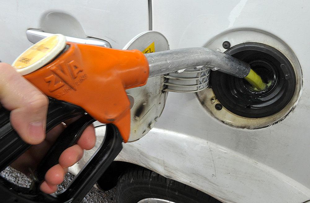 Pétrole: le déconfinement ramène le prix du baril au-dessus de 30 dollars