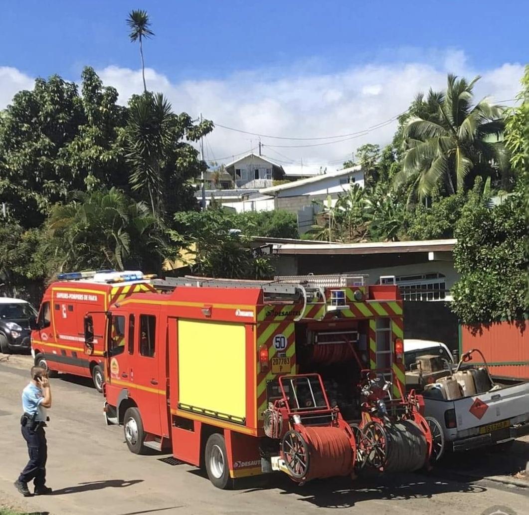 Une maison détruite par les flammes à Pamatai