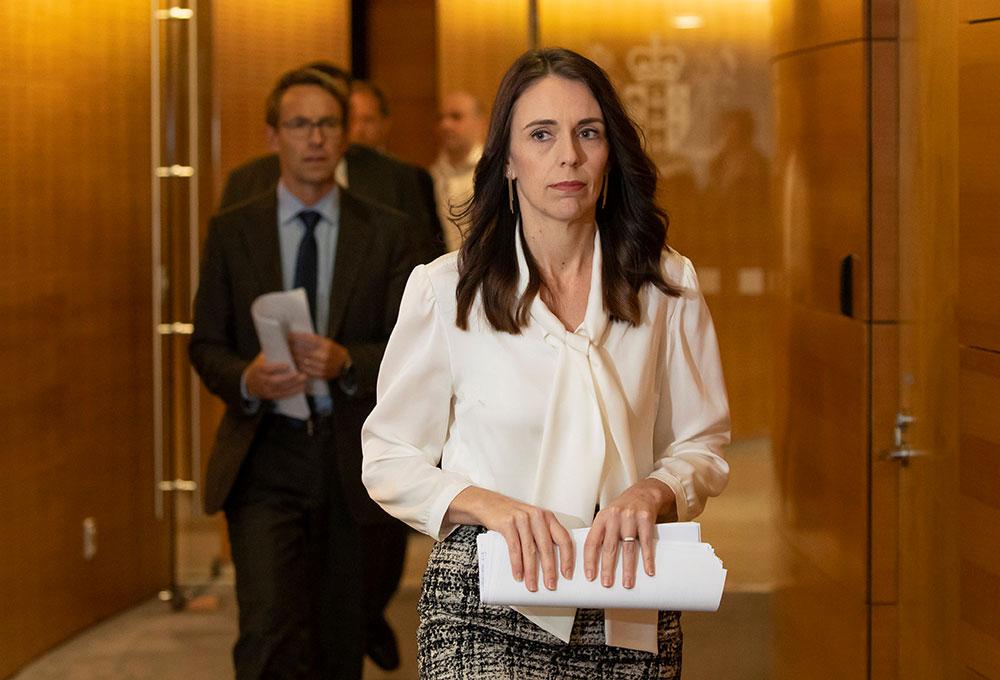 Virus : la Nouvelle-Zélande entend maintenir les élections en septembre