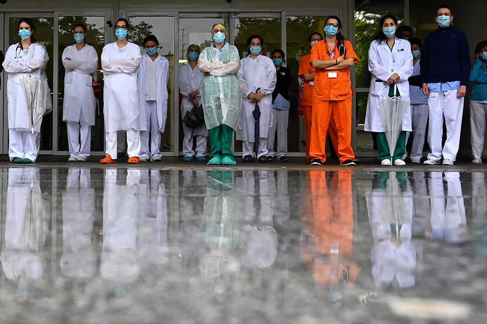 Coronavirus: l'Europe poursuit son déconfinement, réunion de l'OMS