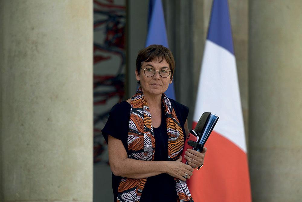 Visite surprise de la ministre des Outre-mer à Mayotte