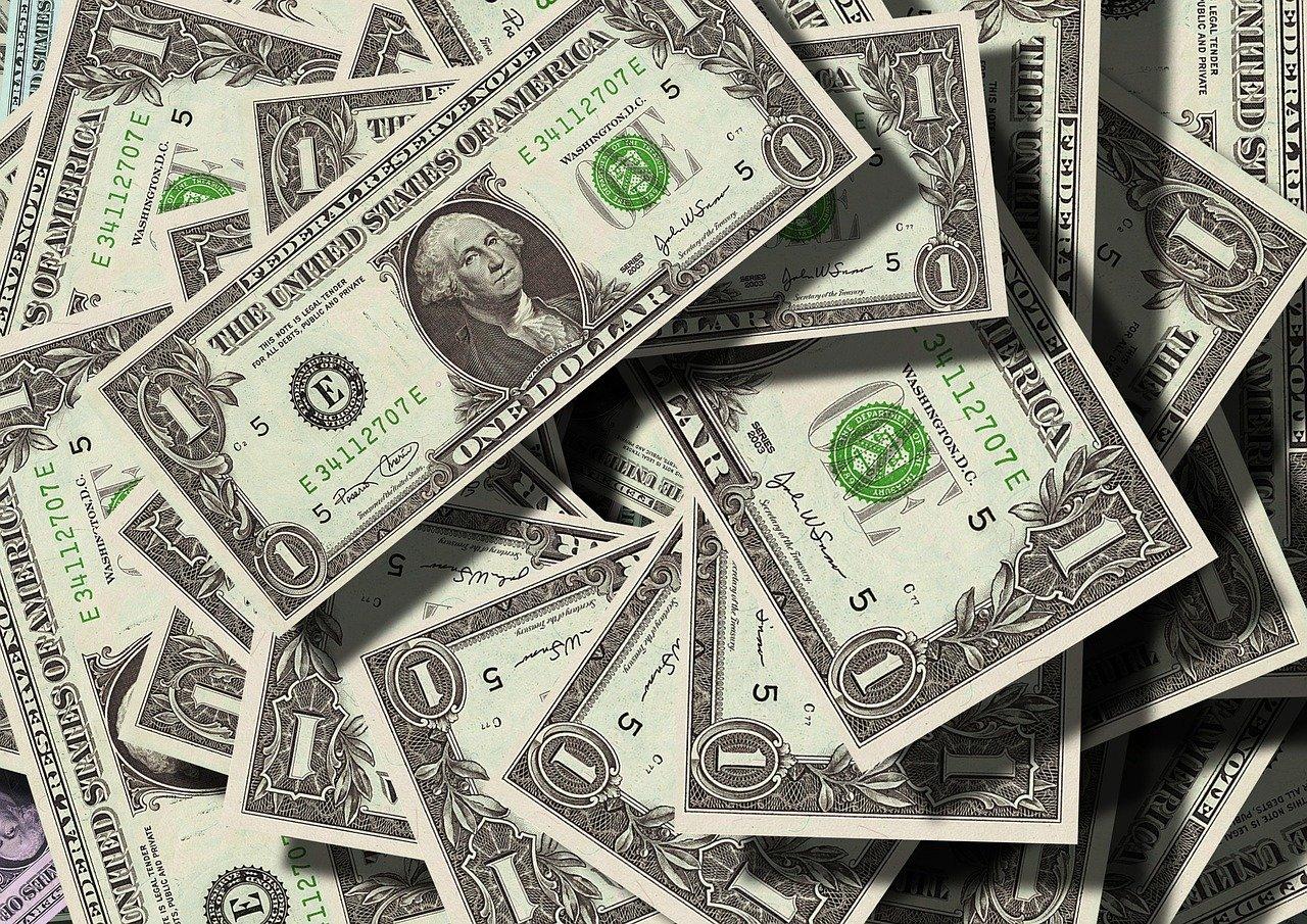 USA: ils trouvent un million de dollars en liquide et les remettent à la police