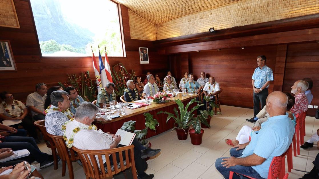 Des réunions de travail ont été organisées avec les hôteliers et les prestataires d'activités touristiques.