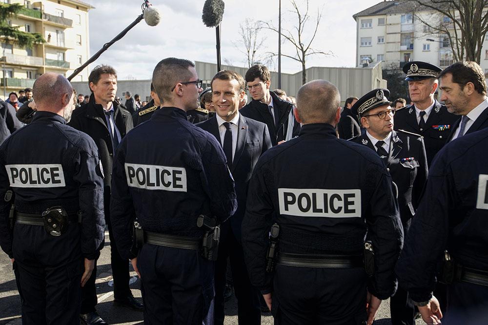 La mort de George Floyd relance en France le débat sur les violences policières
