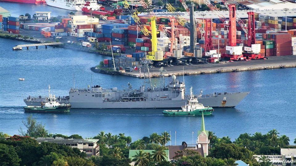 Le 'Capitan Prat' a franchi en premier la passe de Papeete ce jeudi matin. (Photo : Rare Tahitian Air/Port Views)