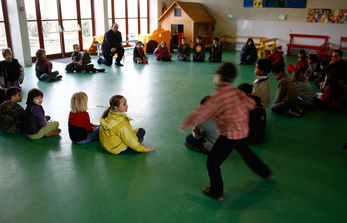 """L'Education nationale lance les """"vacances apprenantes"""" pour un million d'élèves"""