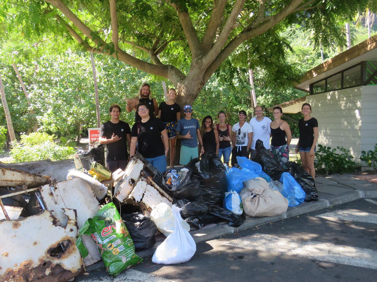 Associations environnementales, étudiants et habitants se sont mobilisés pour rendre leur île propre.