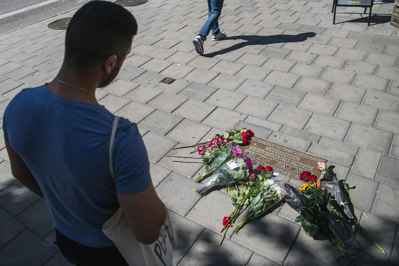 Le principal suspect dans l'assassinat d'Olof Palme décédé, la justice suédoise clôt l'enquête