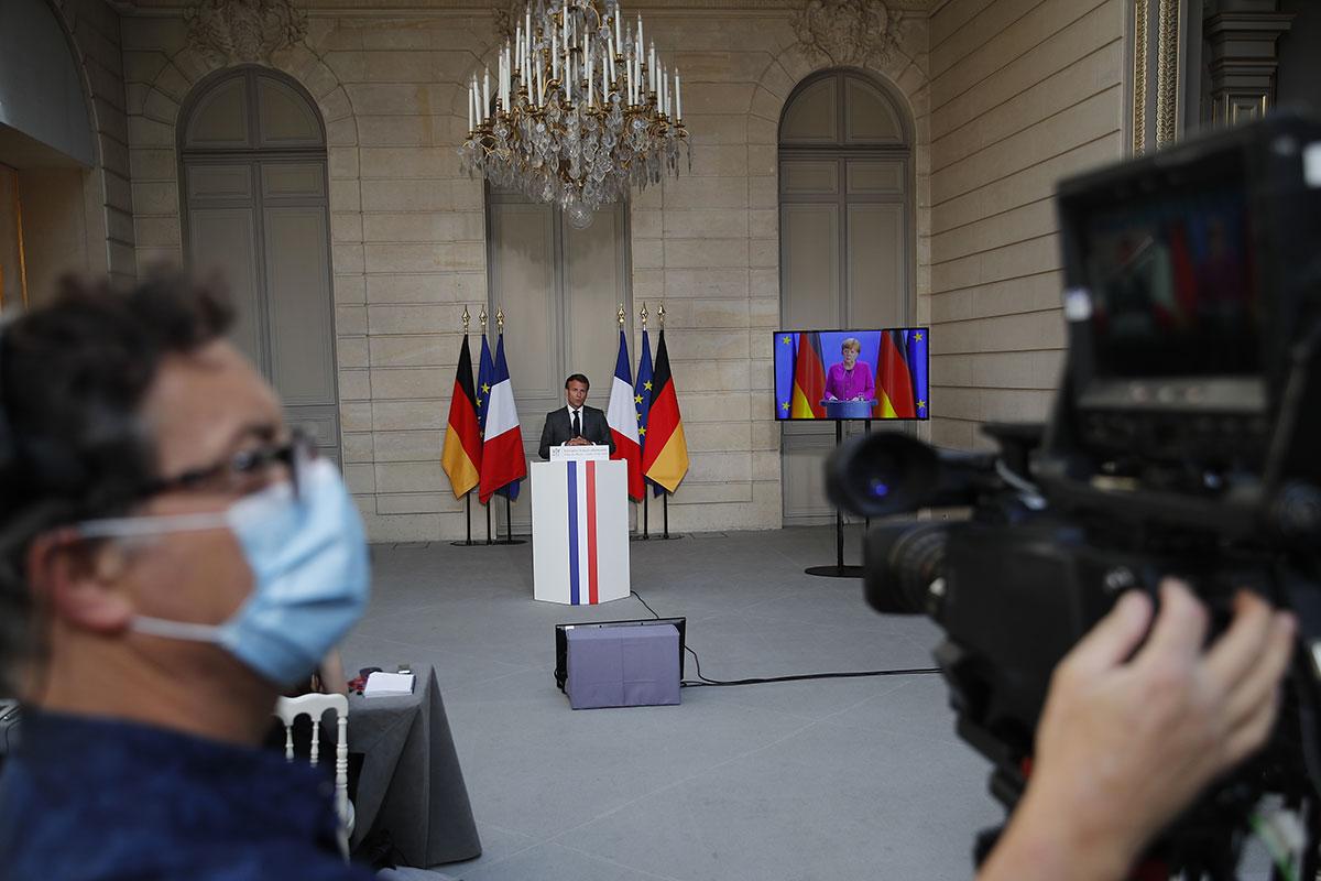 Macron de retour devant les Français pour esquisser la sortie de crise