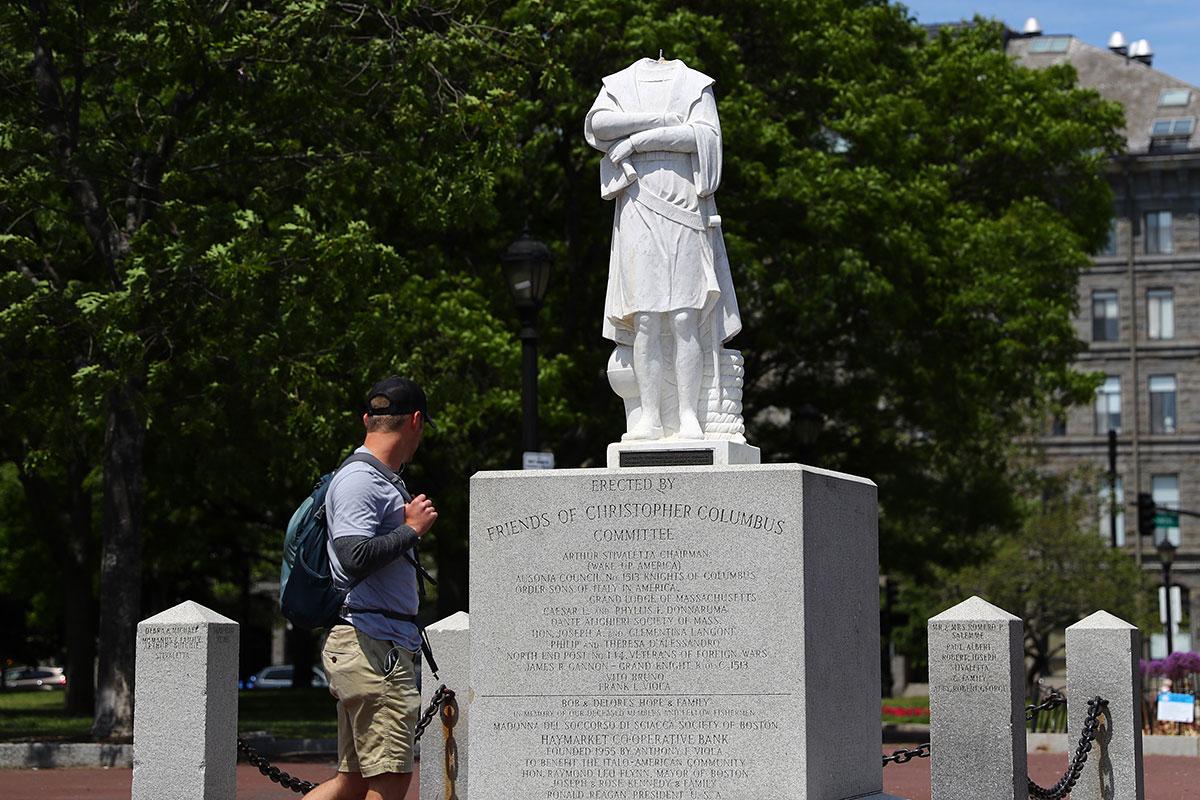 Des statues de Christophe Colomb attaquées à Boston et en Virginie