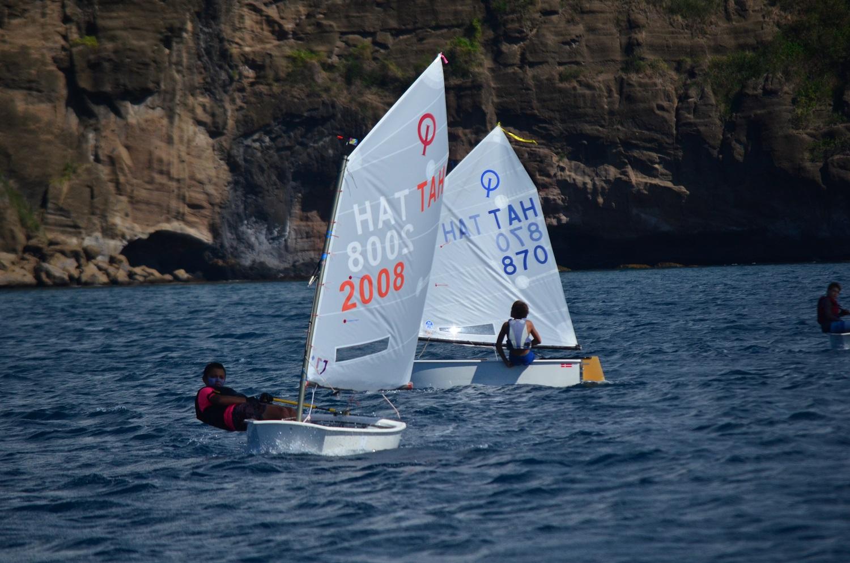 19 jeunes skippers se sont affrontés cette saison pour le titre de champion de Tahiti en Optimist. (photo : Benjamin Prioux)