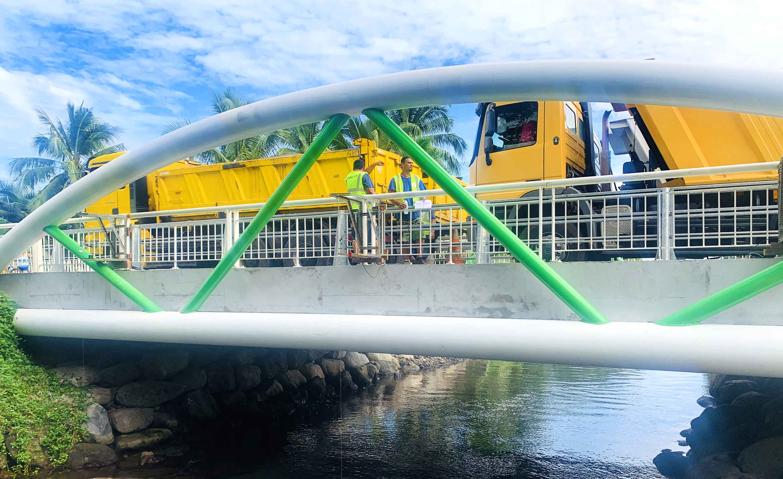 Teahupoo : le pont de Urihee passe le dernier test