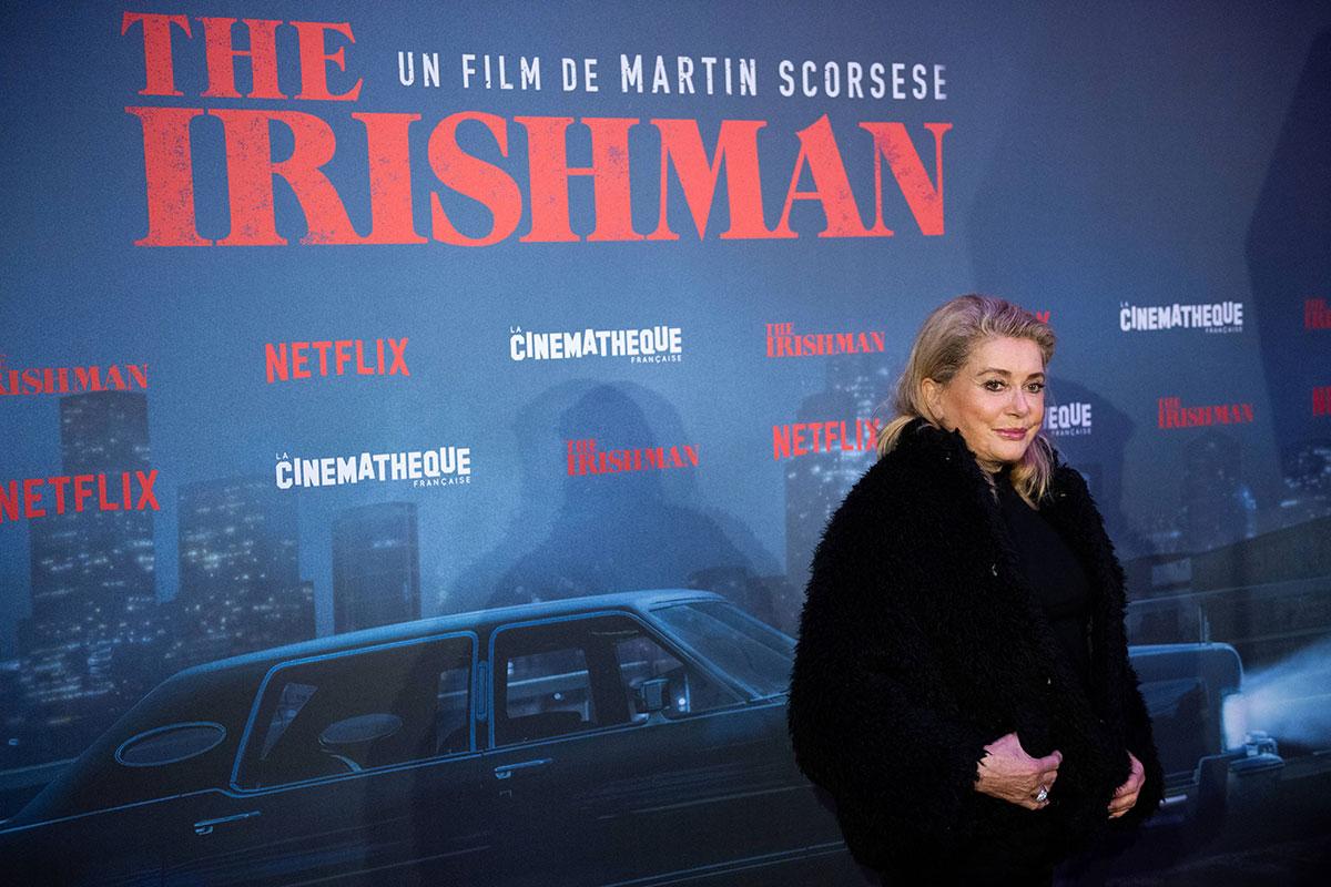 """Catherine Deneuve, """"parfaitement remise"""", de retour sur les plateaux de tournage"""