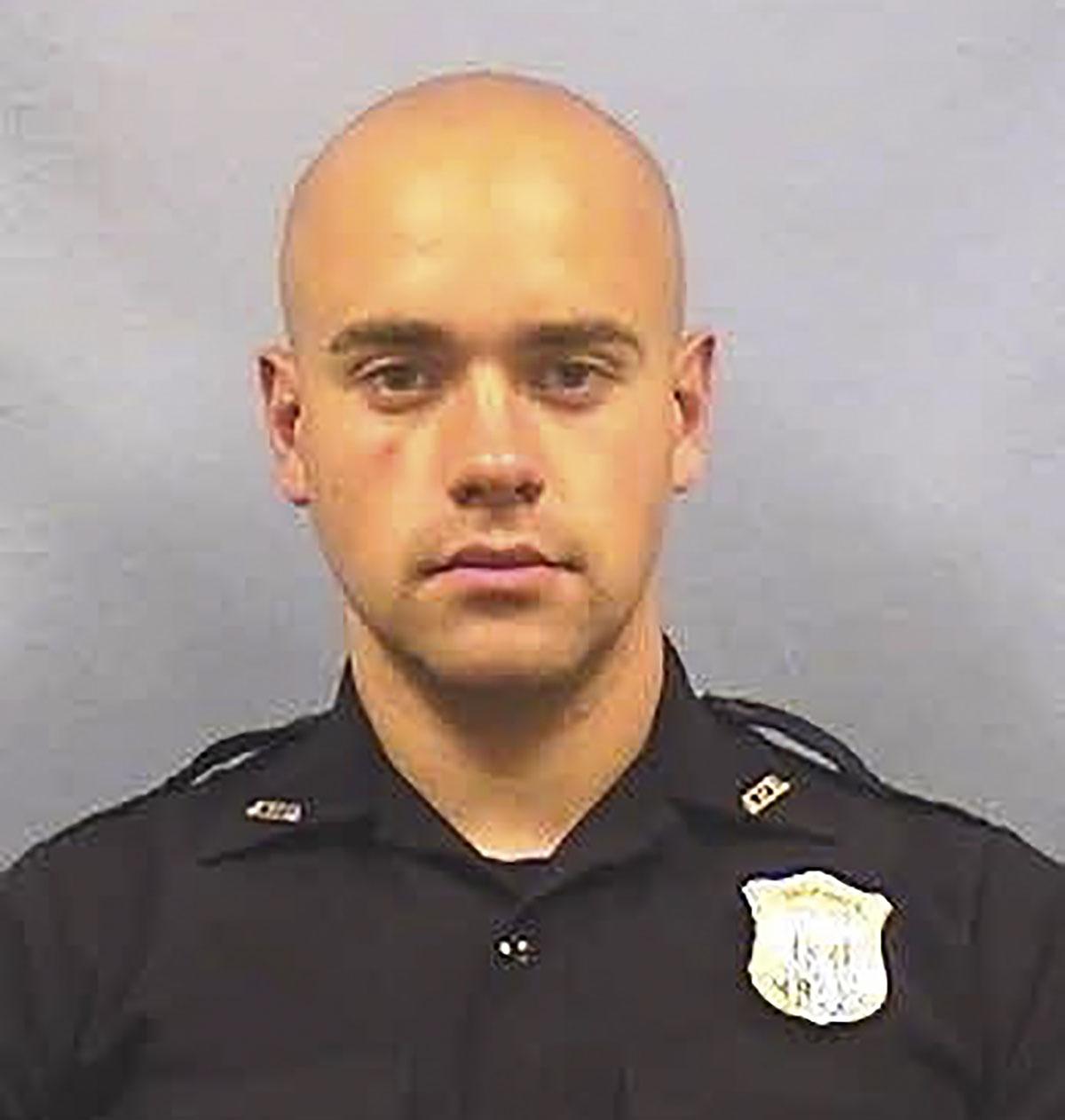 """Colère antiraciste aux Etats-Unis: un policier inculpé de """"meurtre"""" à Atlanta"""