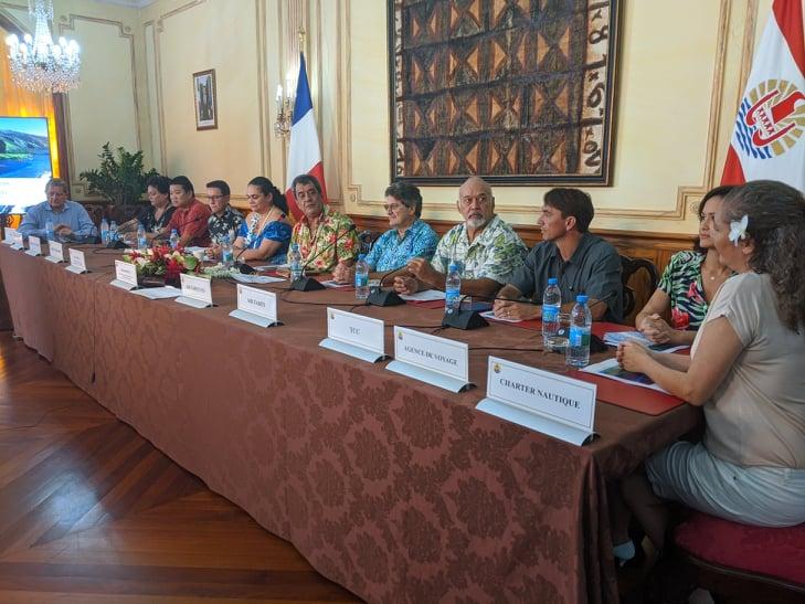 Les principaux acteurs du tourisme polynésien étaient réunis vendredi matin à la Présidence.