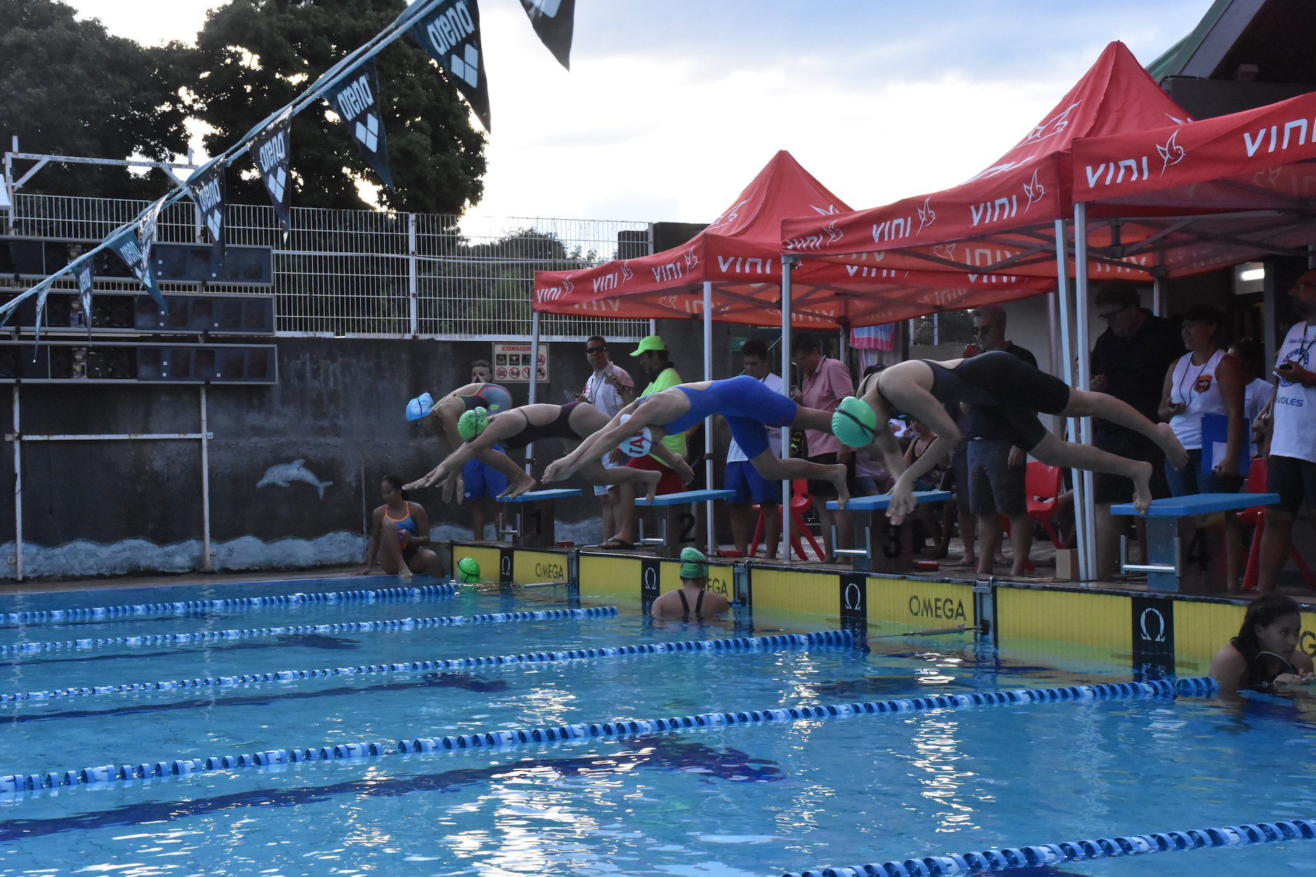 Comme pour les années précédentes, les nageurs ont effectué  trois 50 mètres, en changeant à chaque passage de style de nage (crawl, dos, papillon, brasse).