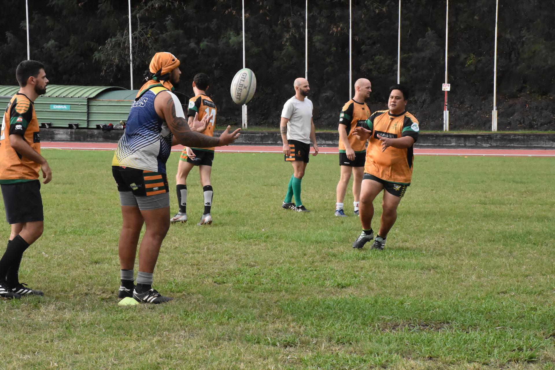 Les joueurs du Punaauia Rugby Club à l'échauffement samedi.