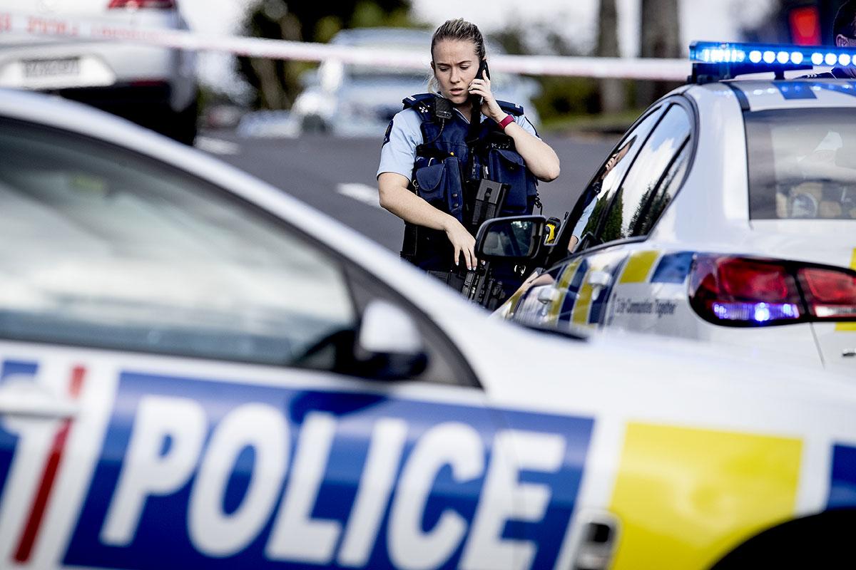 Nouvelle-Zélande: un policier non armé tué par balle, le premier en 10 ans