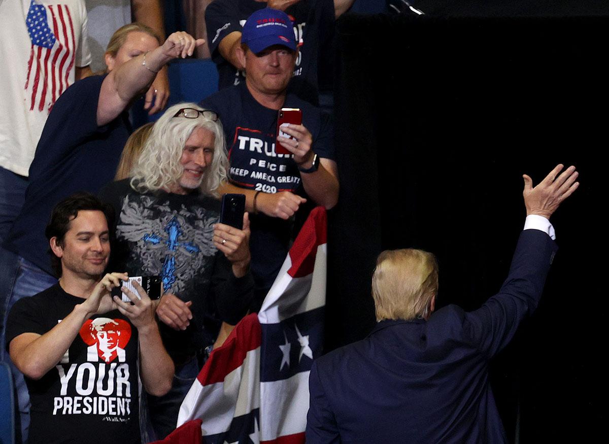 Peu de monde au meeting de Trump? La faute aux manifestants, selon son équipe