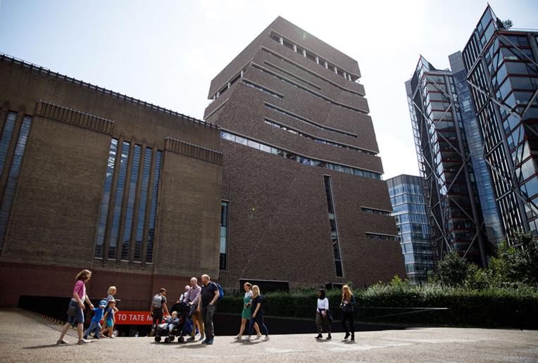 Enfant jeté de la Tate Modern: l'accusé condamné à la prison à vie