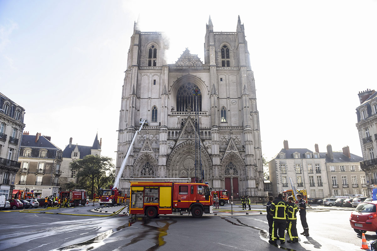 Incendie à la cathédrale de Nantes, le grand orgue ravagé
