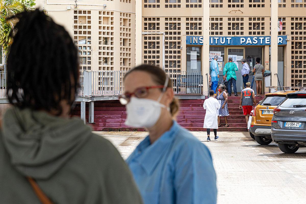 Guyane: décès d'un adolescent atteint du Covid-19 et de la fièvre jaune