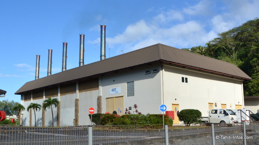 """La centrale thermique """"John Teariki"""" à Vaiare assure 96 % de la production électrique de Moorea. Pour la remplacer avec du solaire, il faudrait 50 hectares de panneaux photovoltaïques assure EDT."""