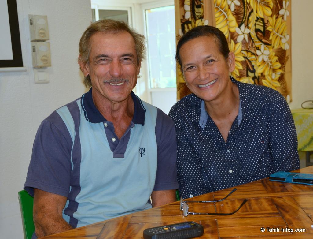 Christiane Kelley (à droite) et Jean Tehuritaua, membres du conseil municipal de Moorea-Maiao