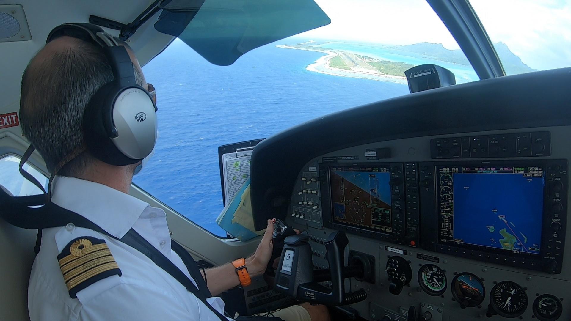 Tahiti Air Charter atterrit à Maupiti
