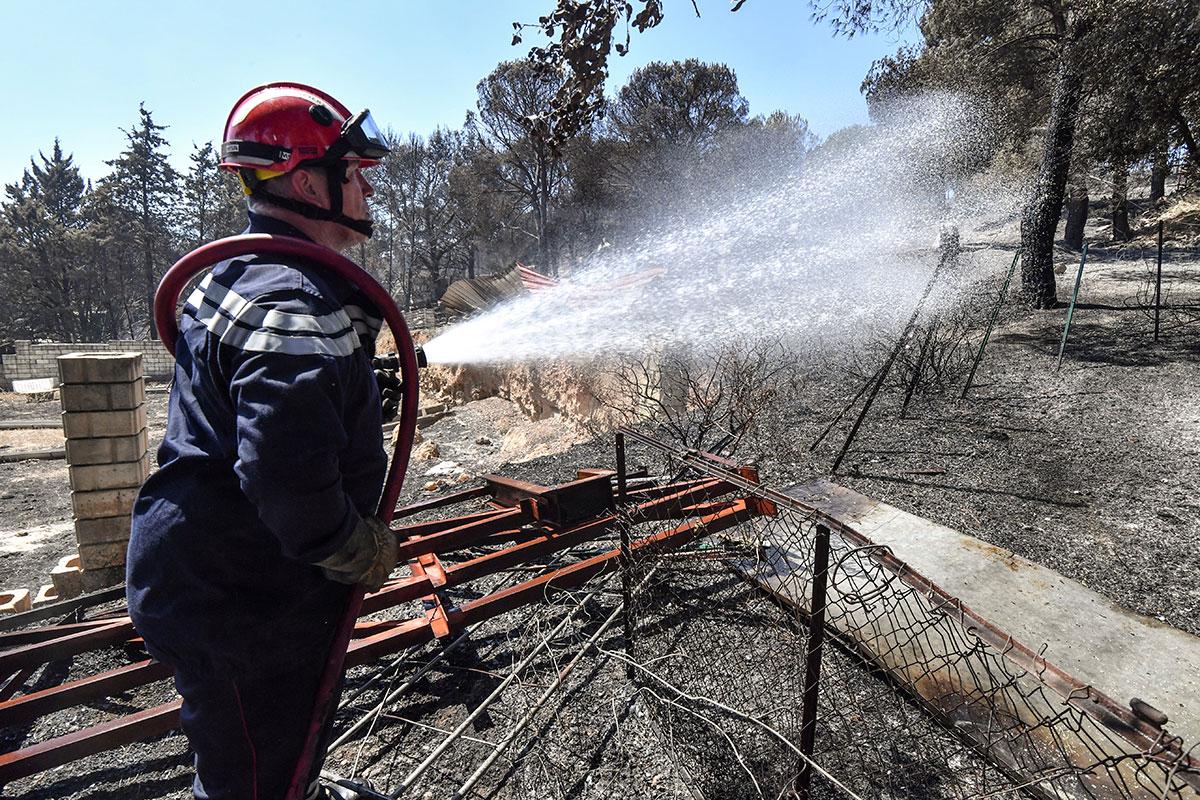 Gard: incendie maîtrisé après huit départs de feu, piste criminelle